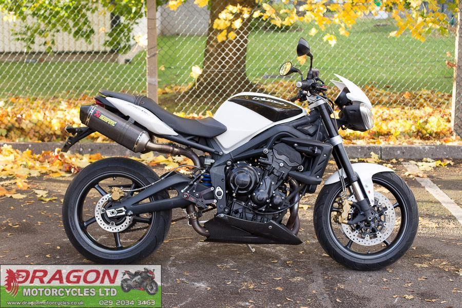 for sale 2012 triumph street triple r 675 r pearl white. Black Bedroom Furniture Sets. Home Design Ideas